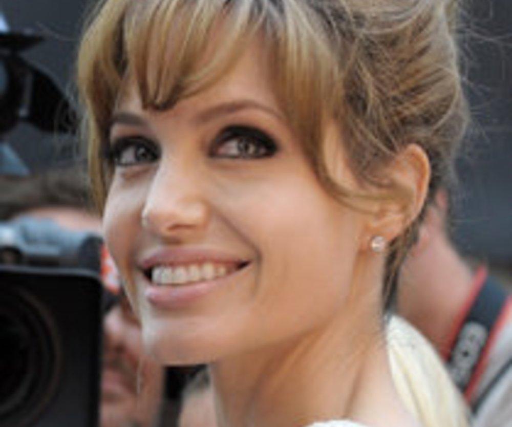 Angelina Jolie: Tattoo sorgt für Adoptions-Gerüchte