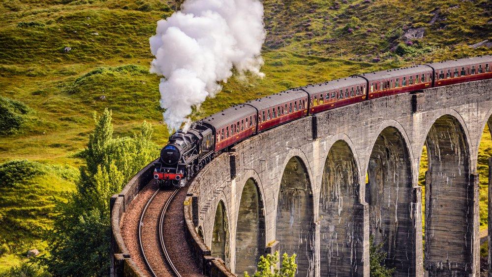 Das Glenfinnan Viadukt ist für Potter-Fans ein (gefährliches) Must-see
