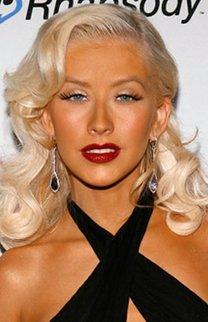 Christina Aguilera mit klassischer Abendfrisur