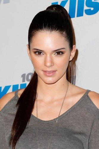 Kendall Jenner mit Pferdeschwanz