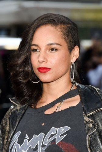 Alicia Keys: Halbseitig rasierte Haare