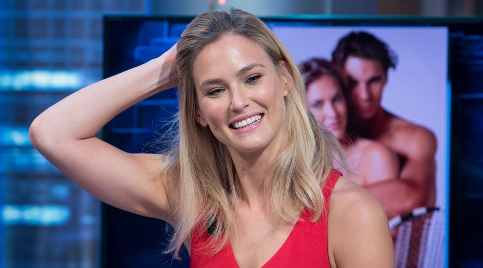 MADRID, SPAIN - NOVEMBER 19: Model Bar Refaeli attends 'El Hormiguero' TV Show at Vertice Studio on November 19, 2014 in Madrid, Spain. (Photo by Pablo Cuadra/Getty Images)