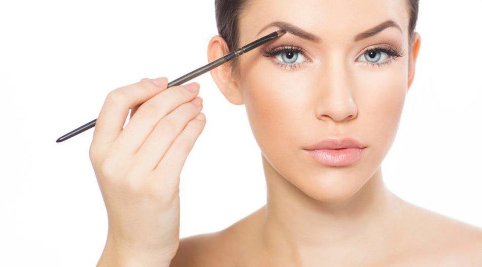 Augenbrauen-Make-up