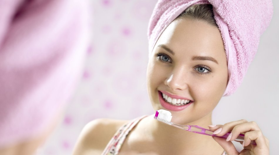 Brushing teeth as a morning procedure