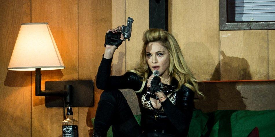 Madonna sieht sich in der Rolle der Erzieherin