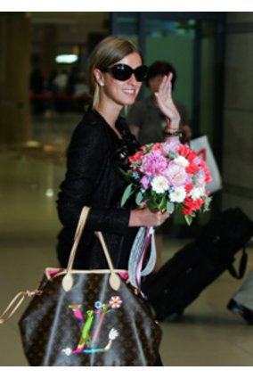 Nicky Hilton mit Louis Vuitton Bag.