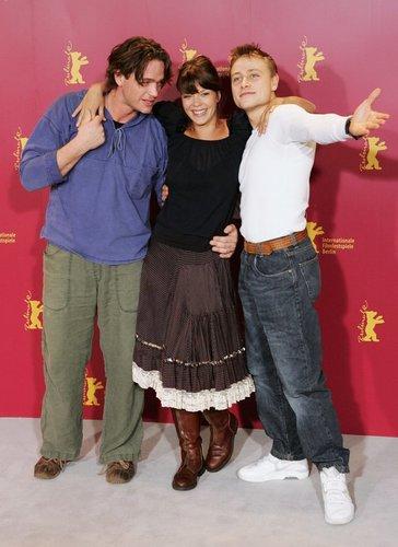 Max Riemelt mit Jessica Schwarz und Ronald Zehrfeld
