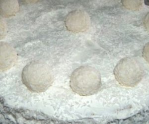 Raffaello Torte mit weißer Schokolade und Eierlikör (ohne Gelatine)