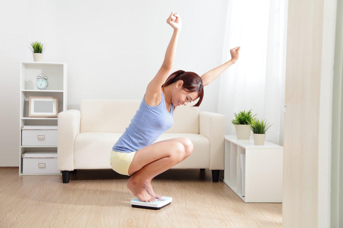 Wie man in 2 Wochen ohne Übungen Gewicht verliert