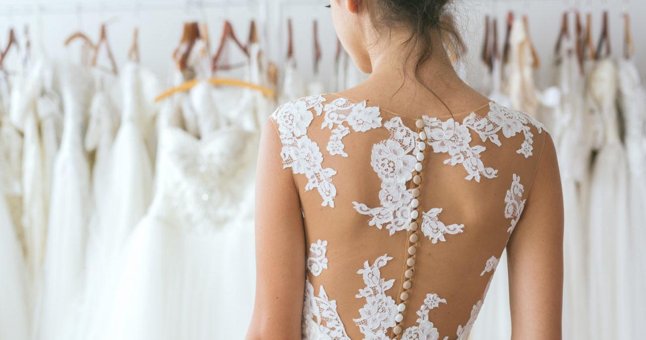 10 wunderschöne Brautkleider unter 200 Euro | desired.de