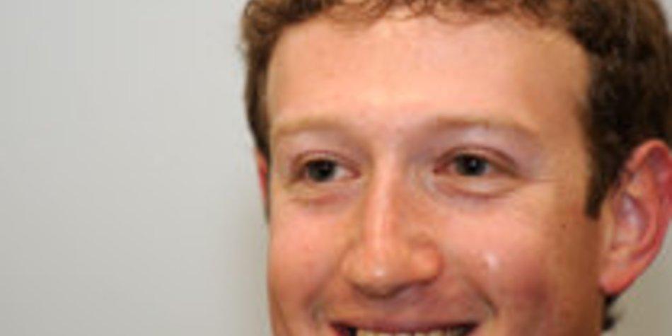 Facebook- Erfinder Mark Zuckerberg hat eine Freundin