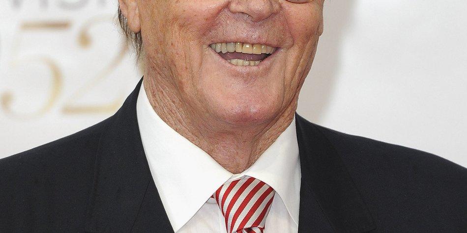 Roger Moore will die Rolle des Bond-Bösewicht spielen