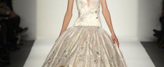 Abendkleid von Venexiana: New York Fashion Week Herbst/Winter 2011