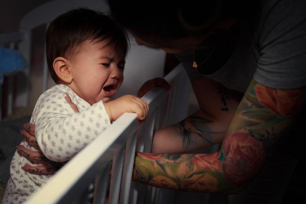 Wie viel Schlaf braucht ein Baby Schlafrhythmus