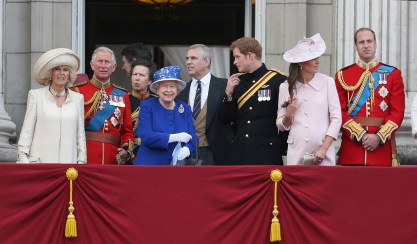 Prinz Charles und die Royal Family auf dem Balkon