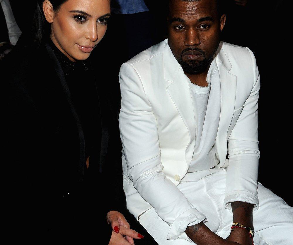 Kim Kardashian und Kanye West sollen früher als gedacht heiraten!