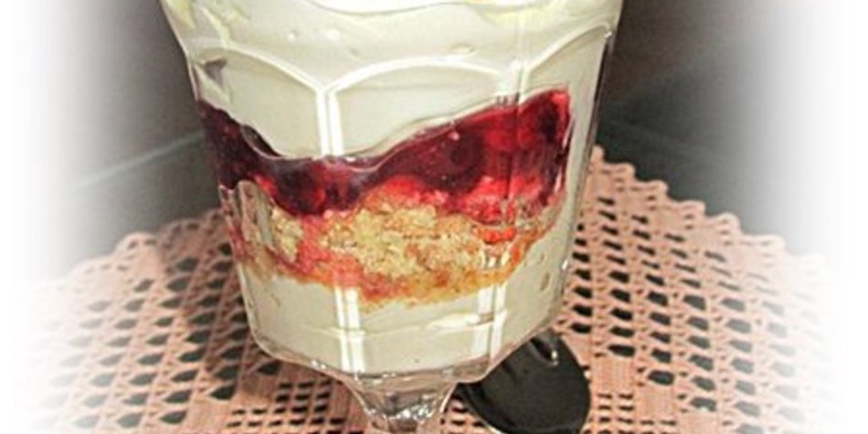 Cantuccini-Preiselbeer-Creme mit Verpoorten versüßt