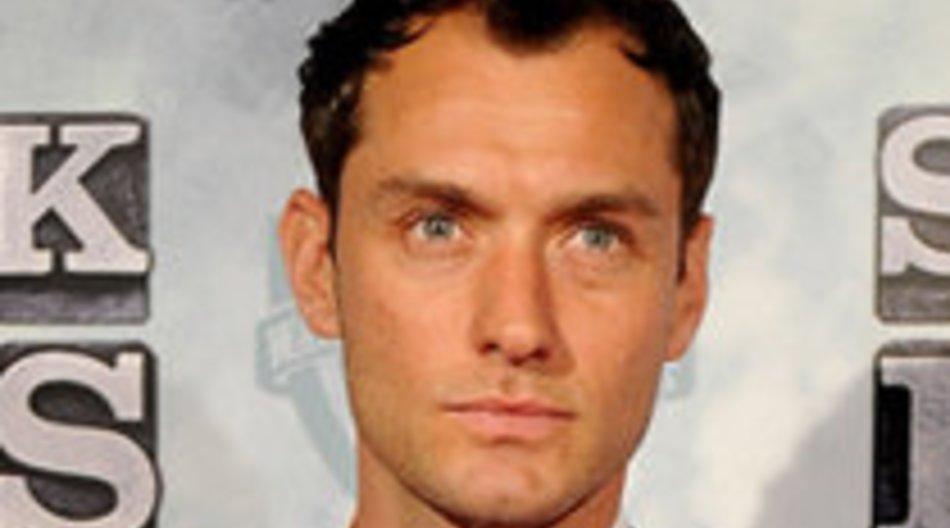 Jude Law feuert Sohn beim Fußball an