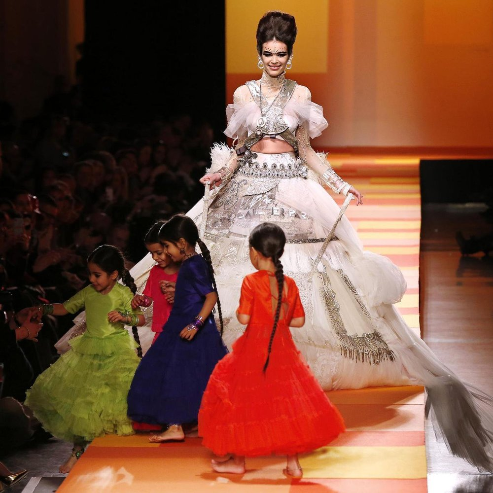 Haute Couture Paris: Jean Paul Gaultier mit orientalischer Eleganz