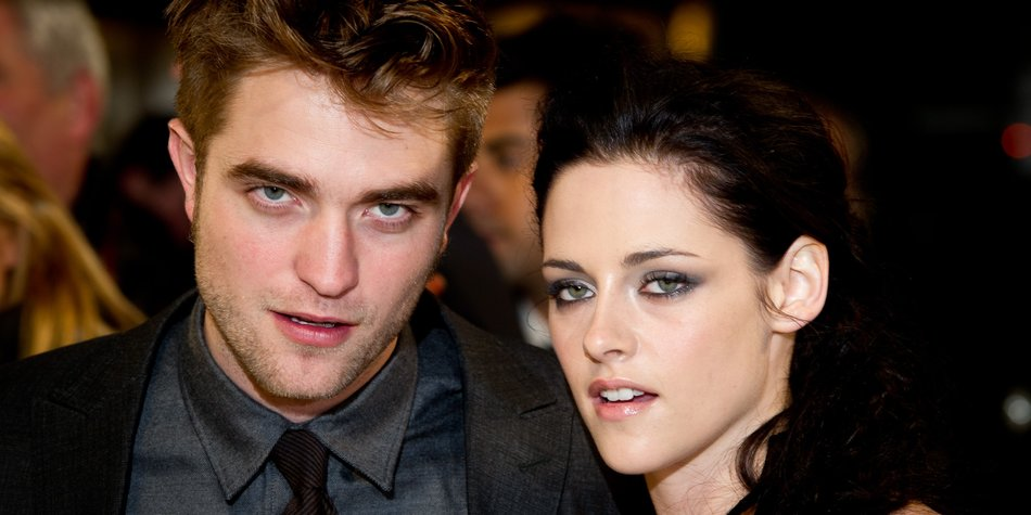 LONDON, ENGLAND - NOVEMBER 16: Robert Pattinson and Kristen Stewart attend the UK premiere of The Twilight Saga: Breaking Dawn Part 1 at Westfield Stratford City on November 16, 2011 in London, England. (Photo by Ian Gavan/Getty Images)