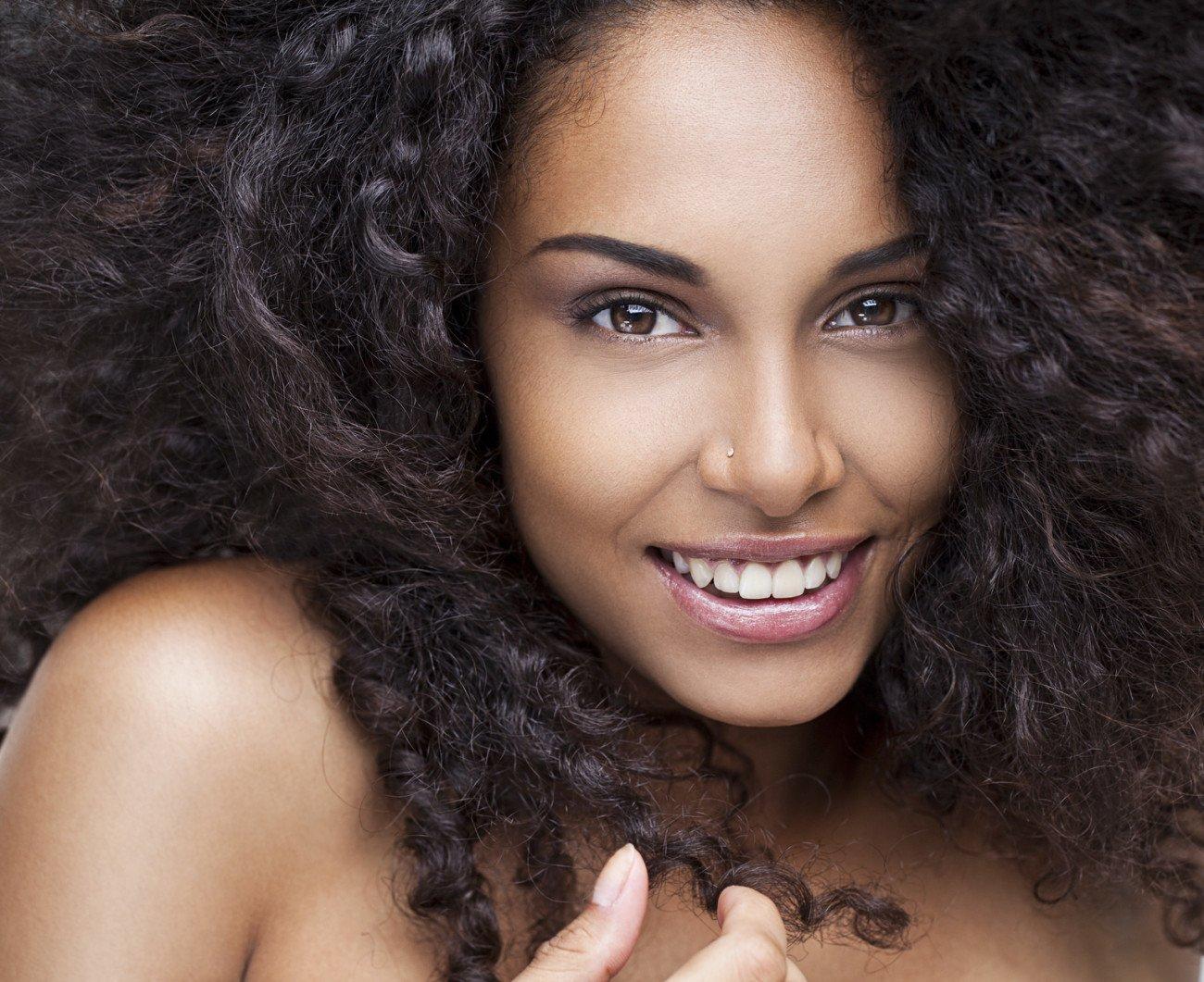 Welche Haarfarbe passt zu braunen Augen Braun