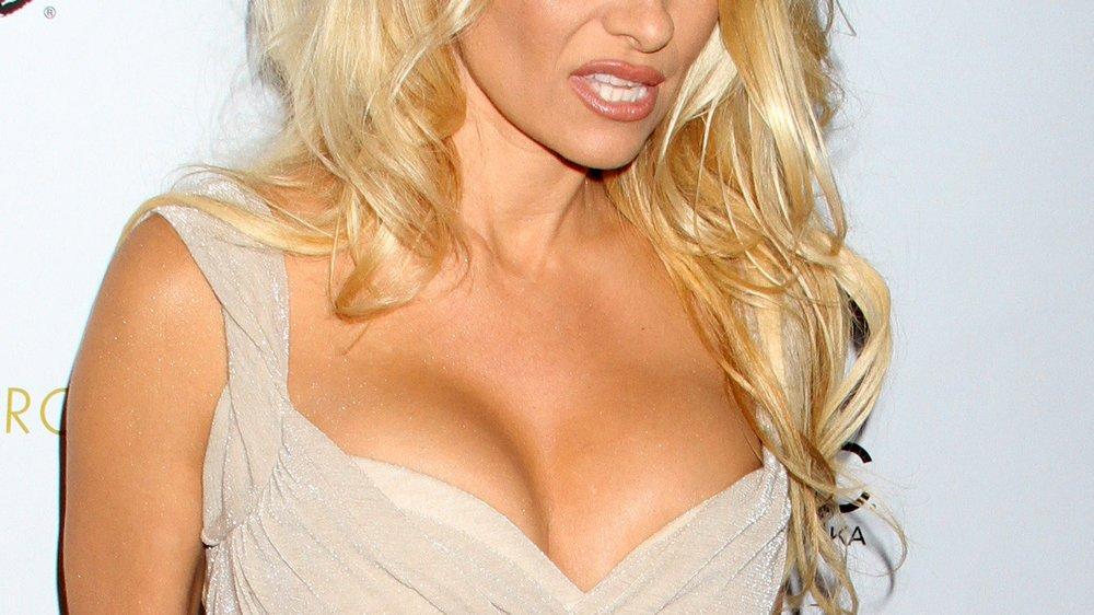 Pamela Anderson: Zu heiß für's britische Fernsehen!