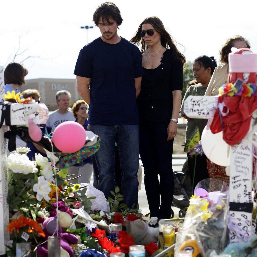 Christian Bale besucht die Opfer des Batman-Amoklaufs