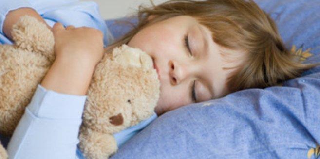 Schlafstörungen hemmen die kindliche Entwicklung.