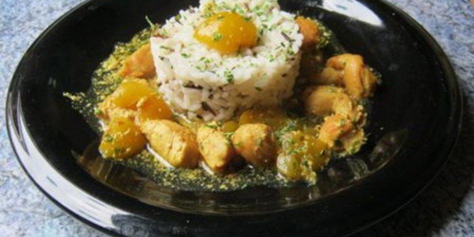 Hähnchencurry mit Reis und Aprikosen
