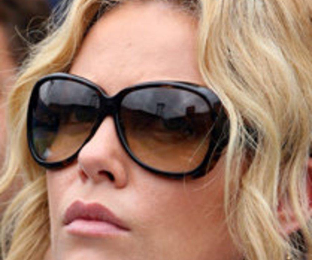 Charlize Theron: Mutter erschoß ihren Vater!