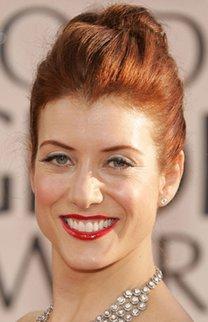 Kate Walsh mit elegantem Knoten