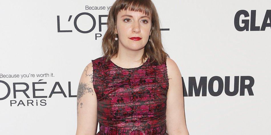 LOS ANGELES, CA - NOVEMBER 14: Actress Lena Dunham attends Glamour Women Of The Year 2016 at NeueHouse Hollywood on November 14, 2016 in Los Angeles, California. (Photo by Frederick M. Brown/Getty Images)