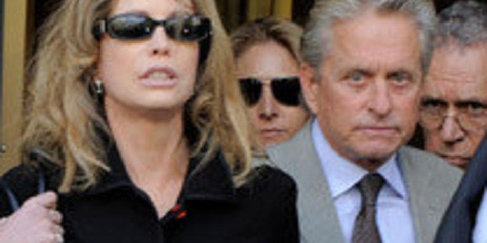 Michael Douglas: Ex-Frau zieht ihn vor Gericht!