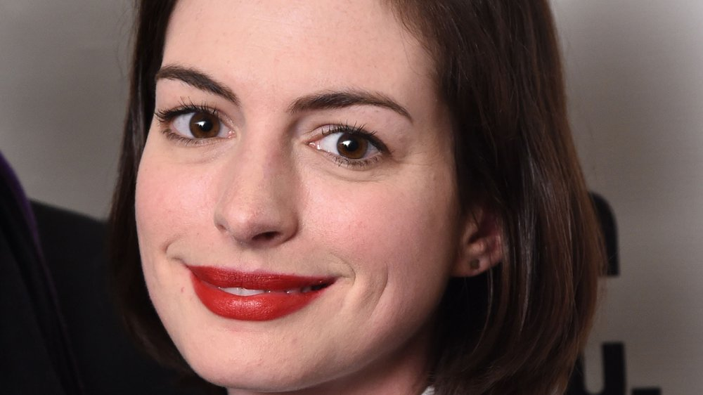 Anne Hathaway: Puderpanne auf dem roten Teppich