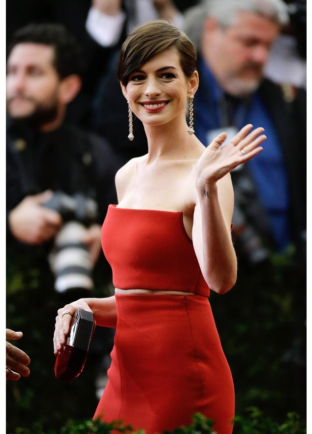 Anne Hathaway hat in ihrem neuen Film lange Haare