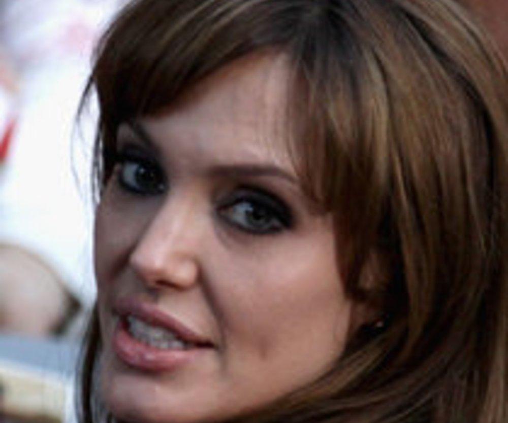 Angelina Jolie: Die Bedeutungen ihrer Tattoos