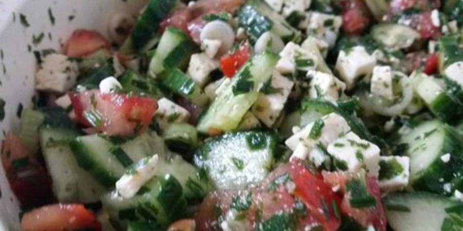 Gurken-Feta-Salat