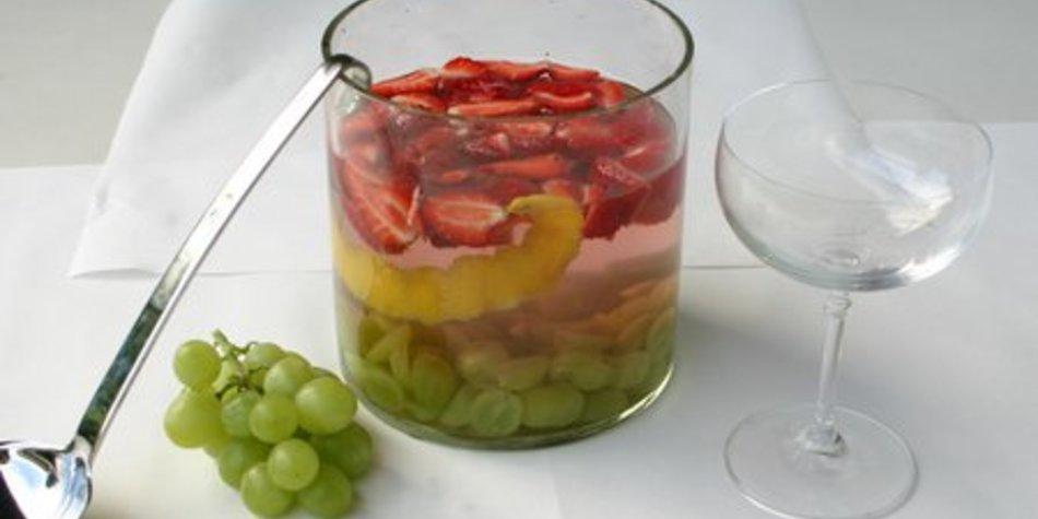 Erdbeer-Trauben-Bowle mit XuXu