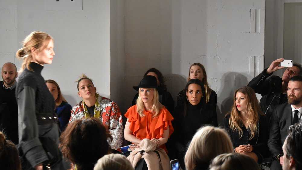 Front-Row im Urban Jungle bei Dorothee Schumacher auf der Mercedes-Benz Fashion Week Berlin.