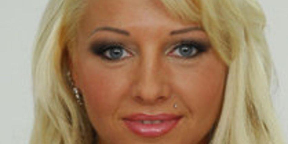 Big Brother 10: Sexy Cora bekommt Konkurrenz von Anne