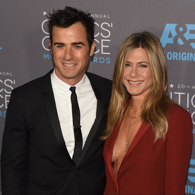 Actors Justin Theroux (L) and Jennifer Aniston arrive for the 20th Annual Critics Choice Awards, January 15, 2015, at the Palladium in Hollywood, California. AFP PHOTO / FREDERIC J BROWN        (Photo credit should read FREDERIC J. BROWN/AFP/Getty Images)