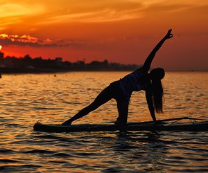Paddle-Board-Yoga