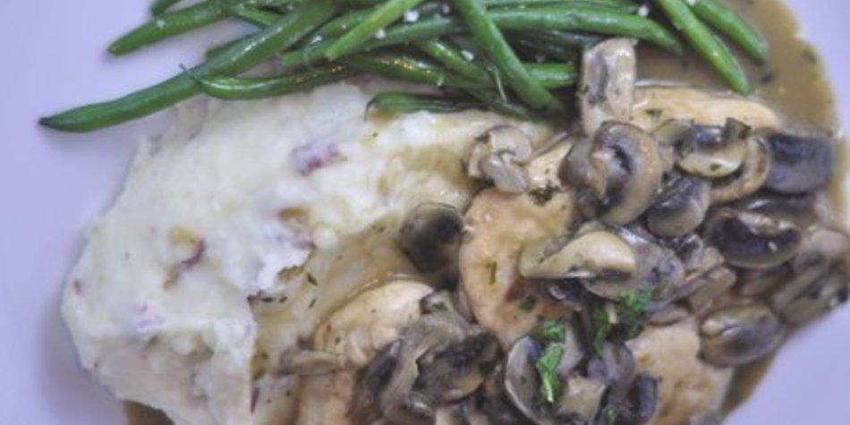 Hähnchengeschnetzeltes mit Champignons