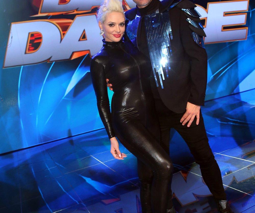 """Reality-Star Daniela Katzenberger und ihr Ehemann, Sänger Lucas Cordalis, kämpfen im Team um den Titel """"Dance Dance Dance""""-Star 2016."""