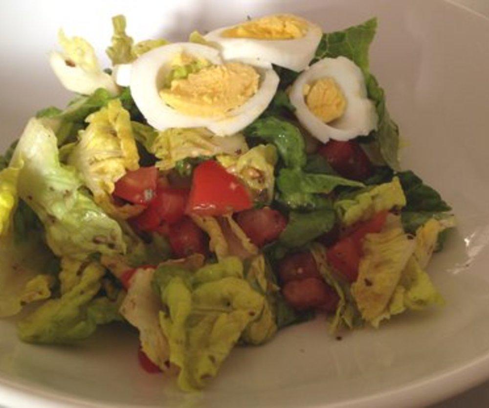 Salatdressing grüner Salat