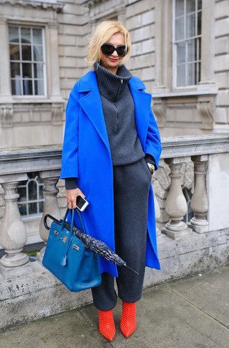 Besucherin der London Fashion Week