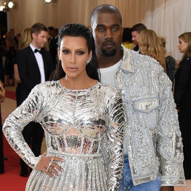 "NEW YORK, NY - MAY 02:  Kim Kardashian West (L) and Kanye West attend the ""Manus x Machina: Fashion In An Age Of Technology"" Costume Institute Gala at Metropolitan Museum of Art on May 2, 2016 in New York City.  (Photo by Larry Busacca/Getty Images)"