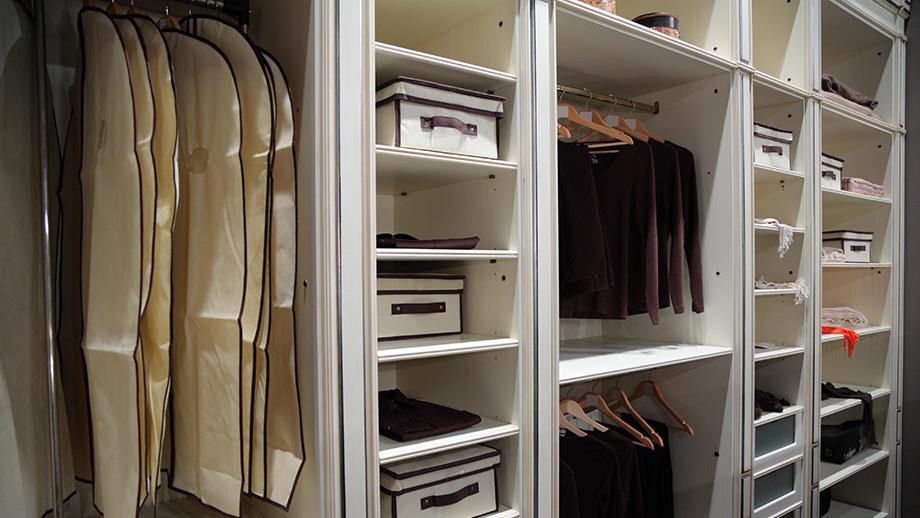 ordnung im kleiderschrank richtig einr umen ist das halbe leben. Black Bedroom Furniture Sets. Home Design Ideas