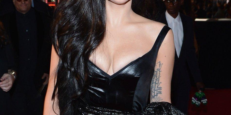 Lady Gaga erwischt Angestellten in ihren Klamotten!