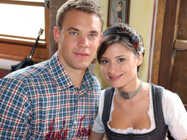 Manuel Neuer und seine Freundin beim Oktoberfest